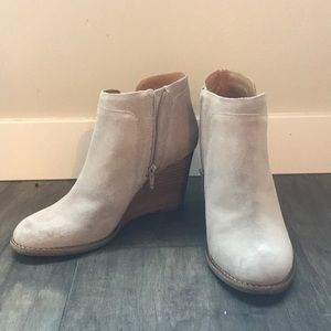Cute fall boots !